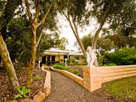 Correa Corner Bed  Breakfast - Northern Rivers Accommodation