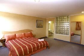 Lighthouse Hotel - Northern Rivers Accommodation