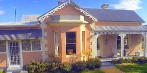 Cromwell House - Northern Rivers Accommodation