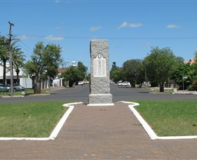 War Memorial and Heroes Avenue - Northern Rivers Accommodation
