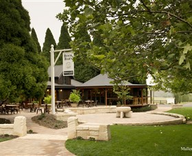 Bendooley Estate Book Barn - Northern Rivers Accommodation