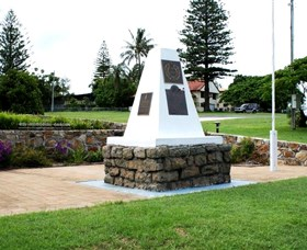 Dunwich War Memorial - Northern Rivers Accommodation