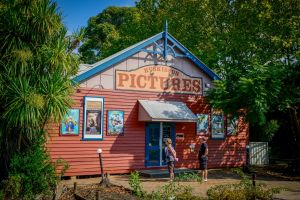 Huskisson Pictures - Northern Rivers Accommodation