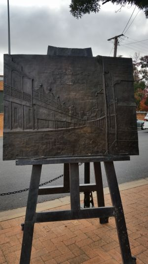Russell Drysdale Easel Sculpture - Northern Rivers Accommodation