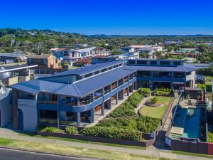 Lennox Holiday Apartments - Northern Rivers Accommodation